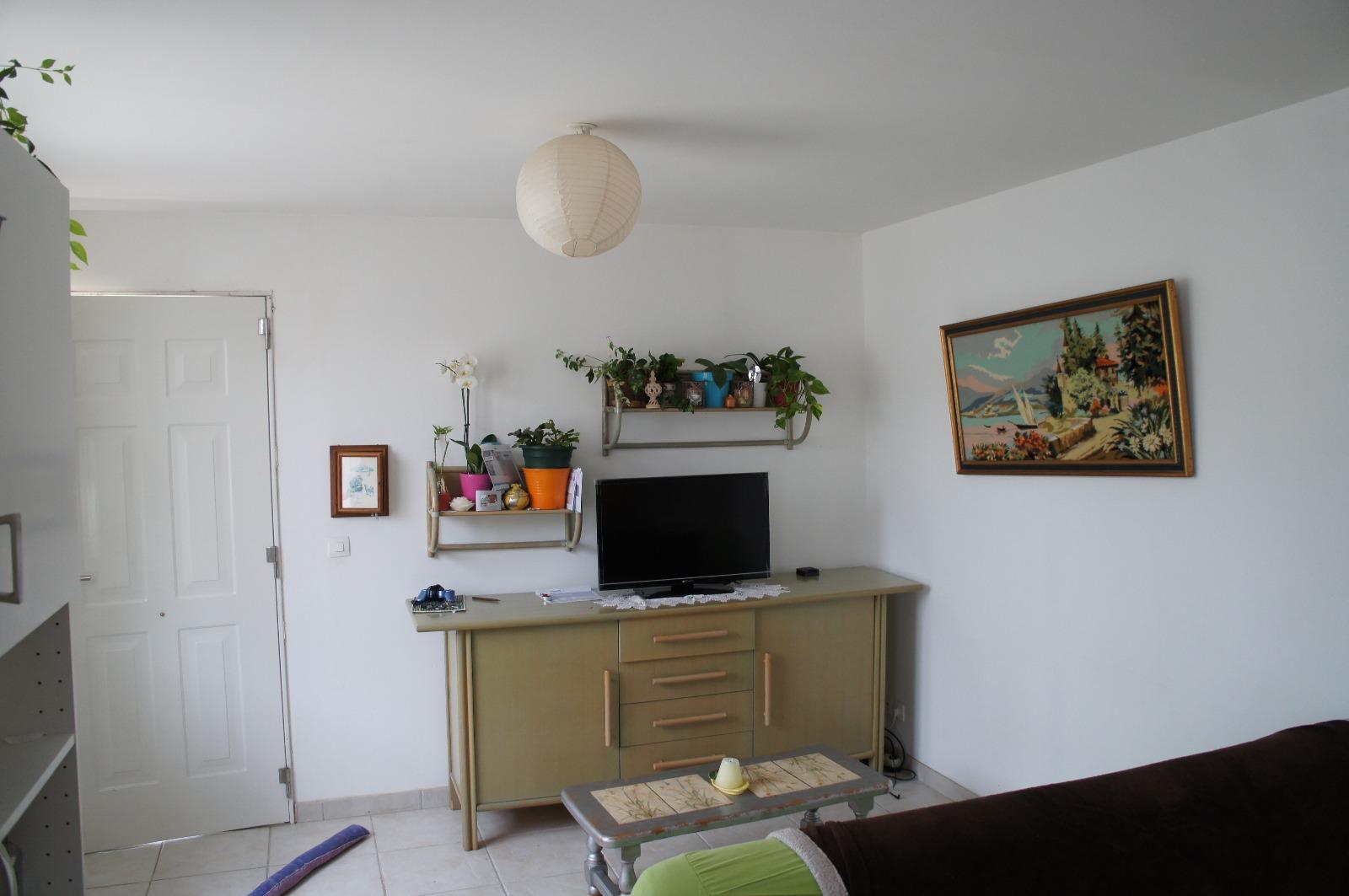 Location appt f2 Ballancourt Sur Essonne (91610), 40m² avec 3 pièce(s) dont 2