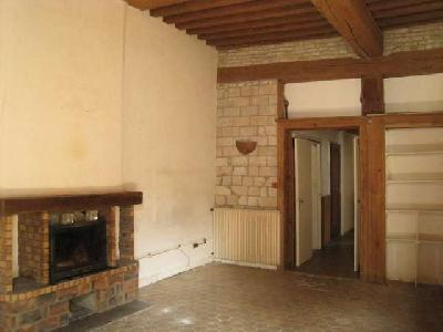 Appartement à Verdun sur le Doubs 84 m² 2 chbres à rénover