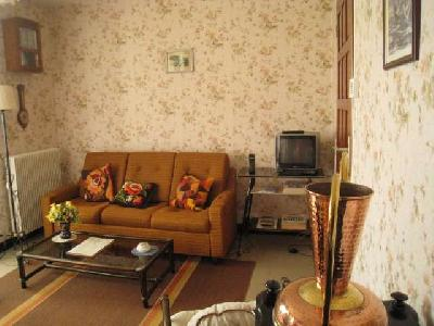 BRAGNY S/SAONE - Maison à louer T3 de plain-pied -Dépendances -cave -garage attenant-terrain 1600 m²
