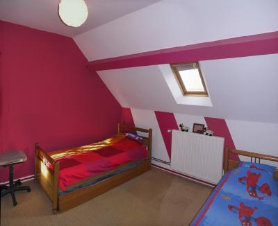 Secteur Verdun S/D- 184 m²-6 pièces-5 chambres dont 2 de plain-pied-sdb-sdd-2 WC-dépendances-5550 m²