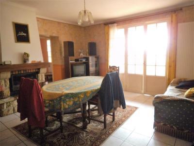 DAMEREY-Grande maison de 157 m²-6 pièces-5 chambres-1 salle de bain-1 salle de douche-terrain 1453m²