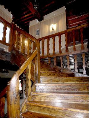 5mn VERDUN - Ancienne hostellerie de 1789-15 pièces-12 ch-9 WC- 9 salles d