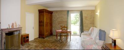 Vue: Séjour-chambre, CHEVIGNY EN V - Maison ancienne restaurée en pierre et brique- 5 pièces- 3 chambres- terrain 7777 m²