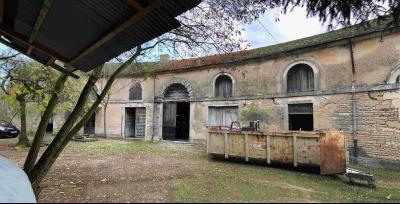 BEAUNE intra-muros-Ancienne ferme issue d