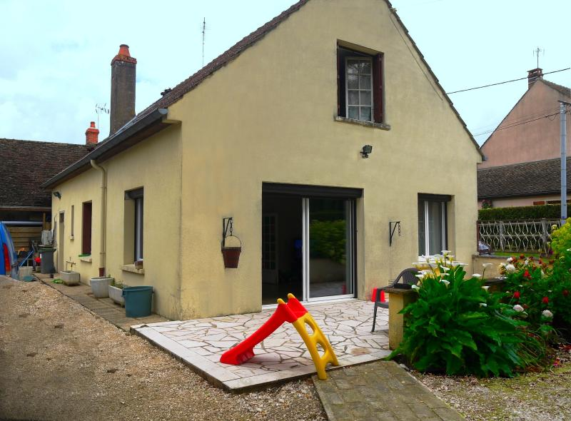 20 min Chalon S/S - Proximimité de Verdun S/D - 140 m² - 5 chambres dont 1 de plain-pied - 1566 m²