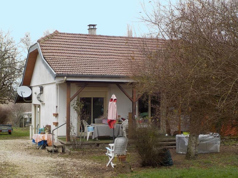 PONTOUX - entre Seurre et Verdun sur le Doubs - maison 2 chambres - terrain de 1015 m² -