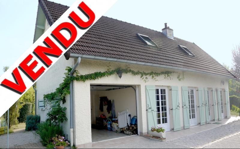 Verdun sur le Doubs - maison de 103 m² hab. - 113 m² au sol - 4 ch - 2 salles d'eau - 2 WC - 1204 m²
