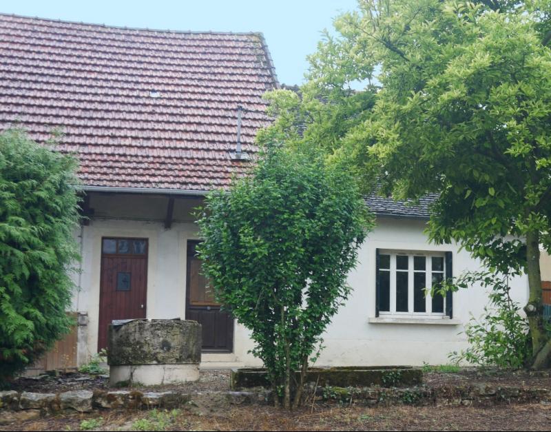 Entre Chalon et Beaune Maison en pierres à rénover au calme , potentiel à développer