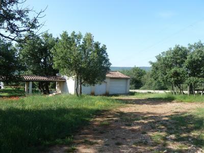 Villa 6 pièces 10 000m² de terrain GINASSERVIS