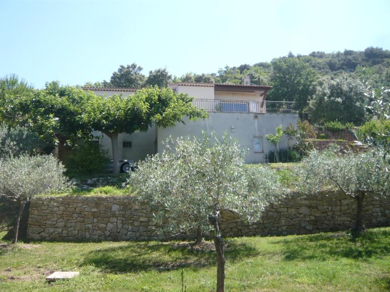 a rians maison traditionnel de 114 m2 , sur un terrain de 2500 m 2 , avec piscine RIANS