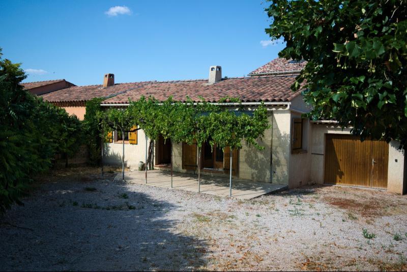 Ginasservis - Villa T3 - plain pied - Centre village GINASSERVIS