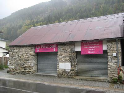 LOCAL COMMERCIAL - VALLEE DE LUZ ST SAUVEUR