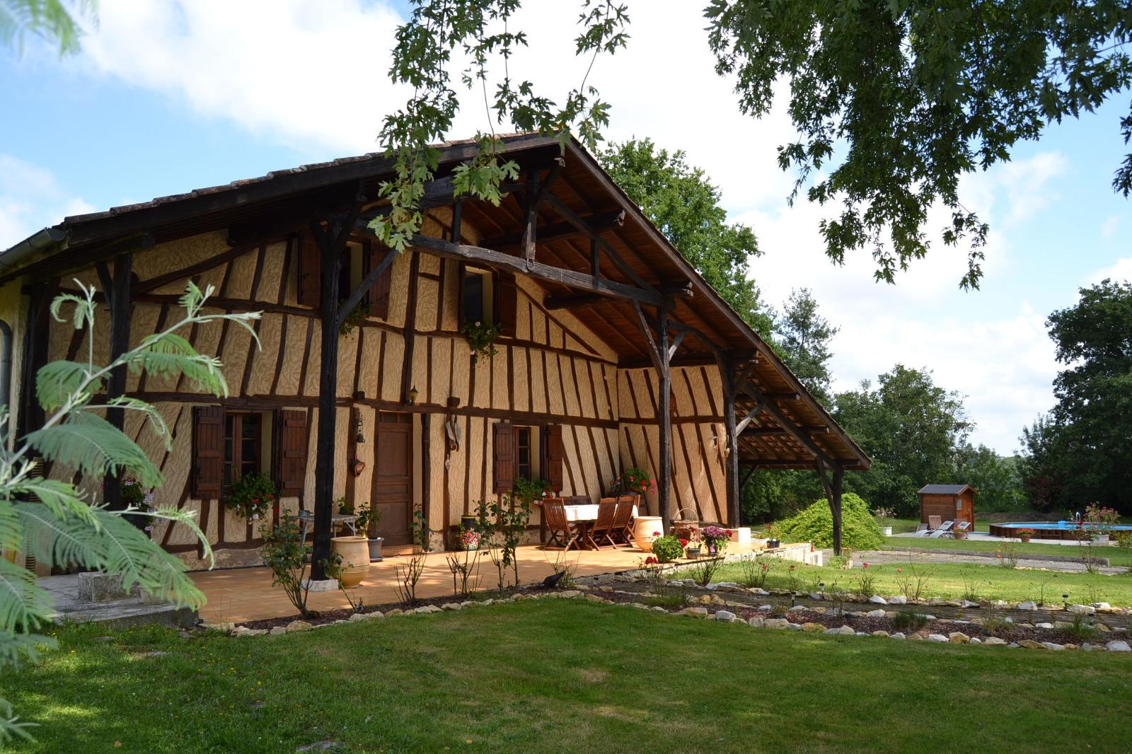 Maison landaise contemporaine for Constructeur maison landaise