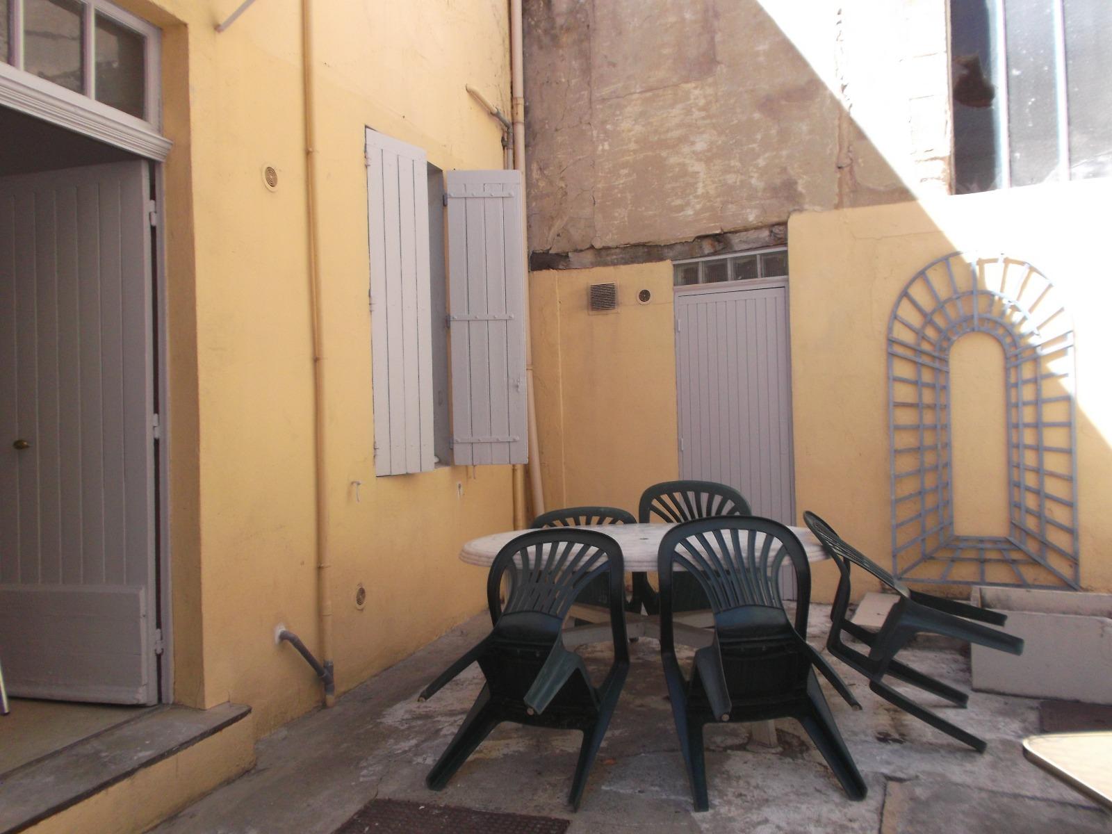 Location appartement avignon 84000 12m avec 1 pi ce s ipv - Appartement meuble avignon ...