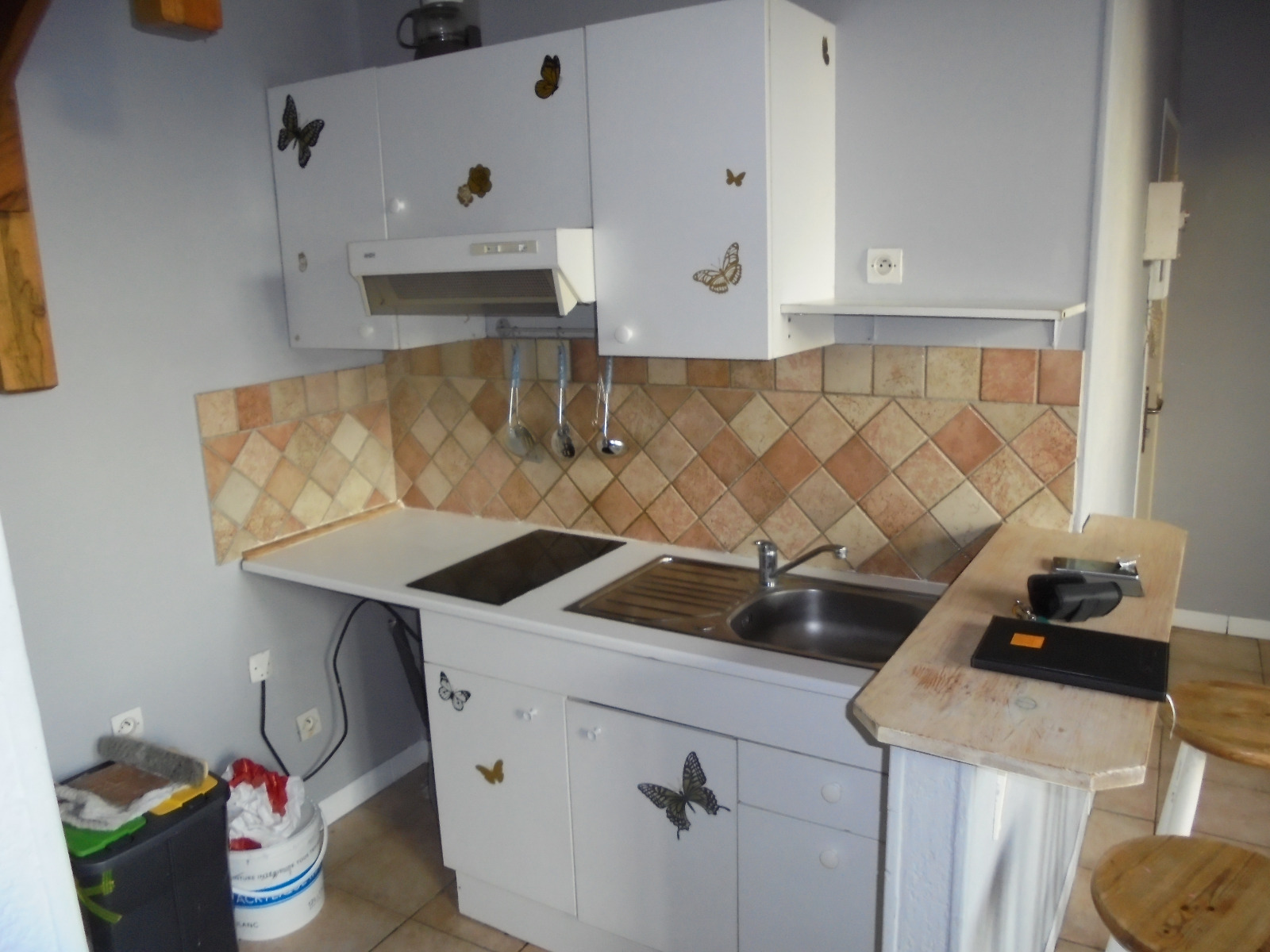 Location appartement avignon 84000 40m avec 2 pi ce s for Location meuble avignon