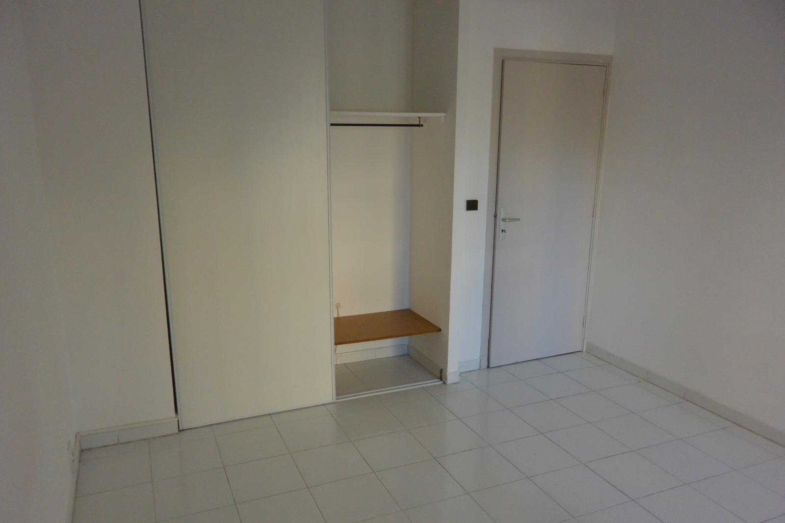 Location appartement avignon 84000 68m avec 3 pi ce s for Location meuble avignon