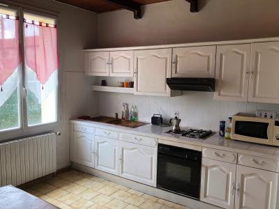 Vue: cuisine am�nag�e, AVIGNON - MAISON ANNEES 30 avec JARDIN et GARAGES