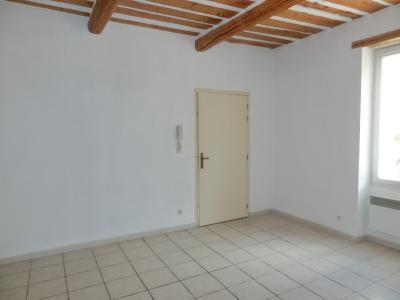 Appartement au rez-de-chaussée de type T2 dans résidence sécurisée