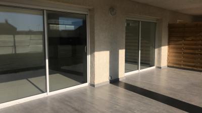 Appartement T3 en rez-de-chaussée avec terrasse