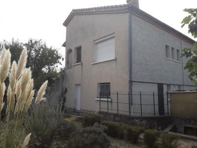 Vue: Ext�rieur , A louer maison individuelle T4 avec garage et jardin clos.