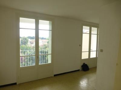 AVIGNON  appartement T4 au calme plein sud R�sidentiel proche remparts.