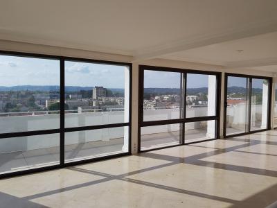 Superbe Appartement contemporain avec vue dégagée