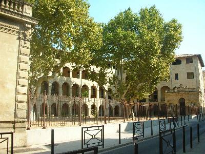 T1  Intra Muros résidence le Clos des Arts avec parking