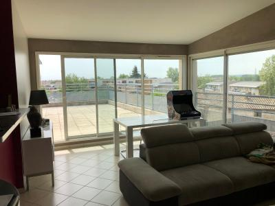 Vue: s�jour donnant sur terrasse, VASTE APPARTEMENT 98 m² AVEC TERRASSE de 50 m²  PANORAMIQUE