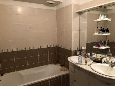 Vue: salle de bain, VASTE APPARTEMENT 98 m² AVEC TERRASSE de 50 m²  PANORAMIQUE