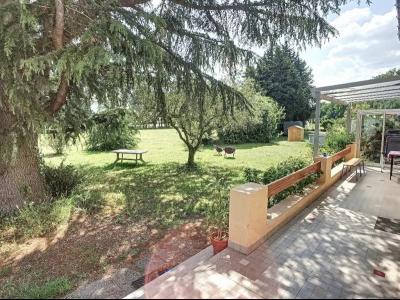 Grande villa t5 à louer à Avignon sur 2500M2 de terrain + Garage