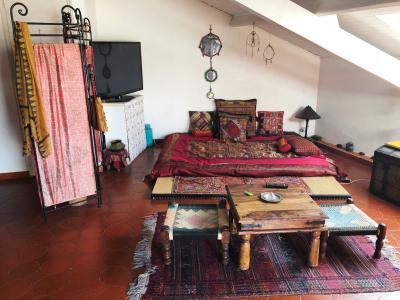 Vue: chambre, LOFT ATYPIQUE AVEC TERRASSE PANORAMIQUE - INTRA-MUROS