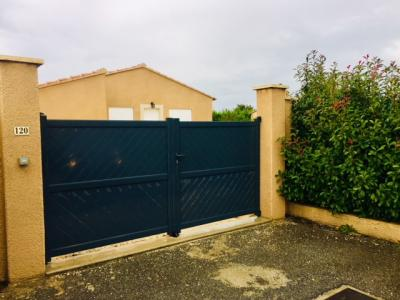 A louer magnifique villa sur 700m2 de jardin avec garage St-Saturnin-Les-Avignon
