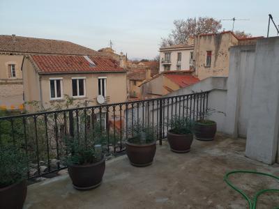 Beau studio Avignon intra-muros