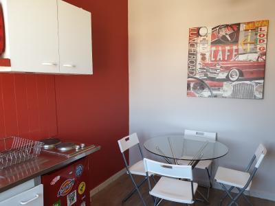 A louer studio bis à Avignon Intra-muros