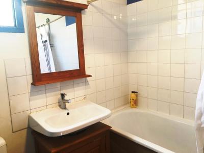 Vue: salle de bain, MAISON avec Jardinet à 8 mn à pied du centre de VAISON-LA-ROMAINE