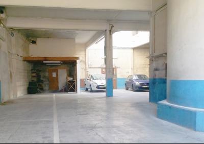 Local /garage de 300m² proche remparts