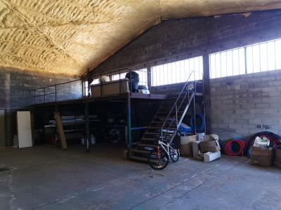 Ensemble immobilier Hangar + garage + 2 logements