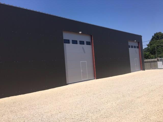 Box 175 m2 en zone d'activité