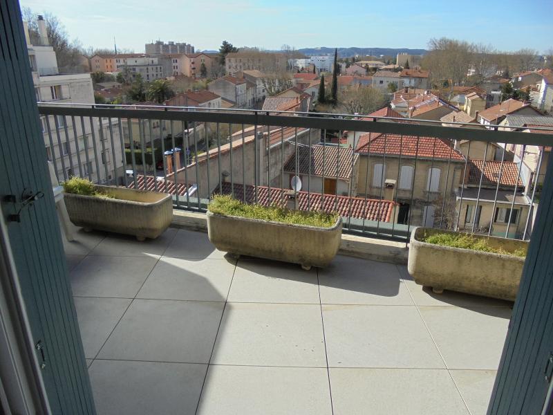 Proche remparts, T3 avec terrasse 12m², ascenseur
