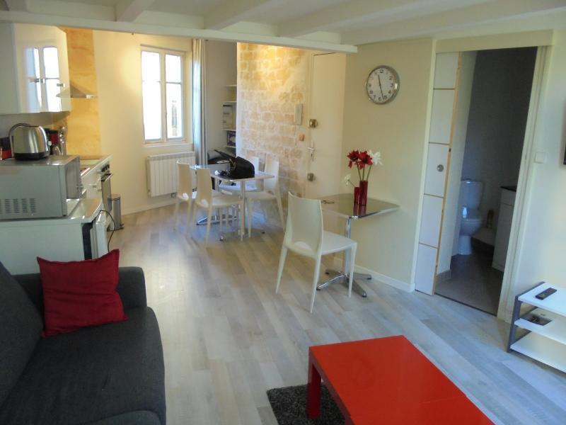 Intra muros - immeuble comprenant 3 lots