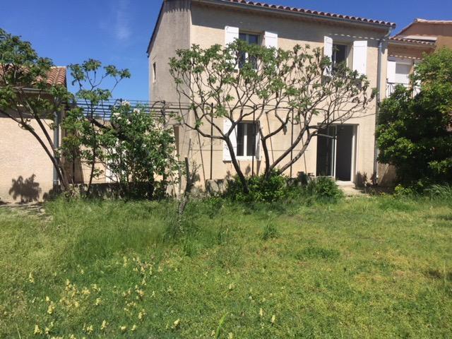 Location Villa Vedene  M Avec  PiceS Dont  ChambreS