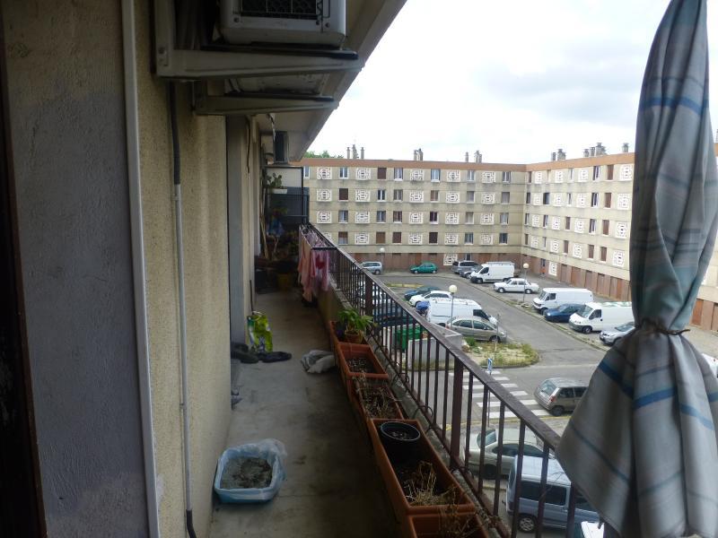 Le PONTET Appartement T 4, 2chambres, traversant nord sud.