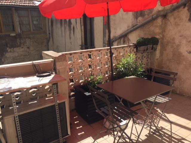 Magnifique studio meublé  à louer de 30M2 INTRA-MUROSavec une grande terrasse privative