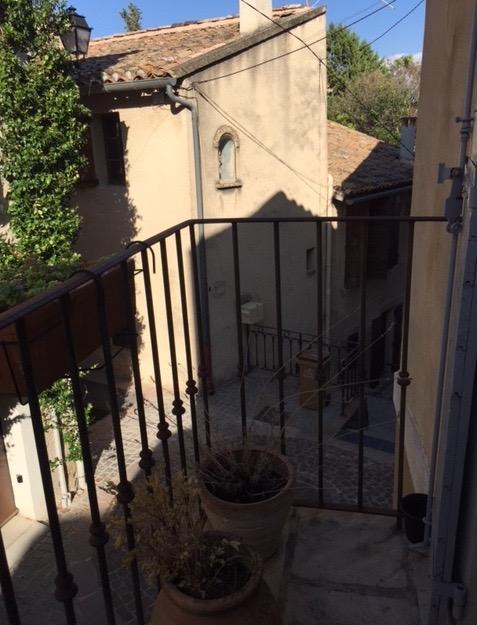 A louer grand T3 Meublé style loft au coeur de Chateauneuf De Gadagne