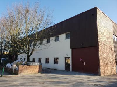 LOCAL D ACTIVITE OU STOCKAGE DE 345 m² DONT 78m² de  BUREAU