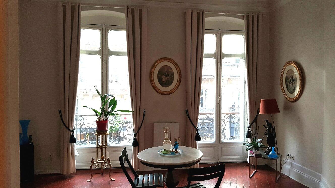 Achat appartement bordeaux t2 a deux pas de la place for Achat appartement bordeaux chartrons
