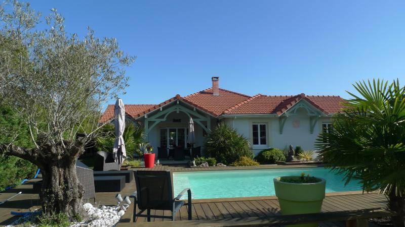 Dans un quartier paisible... GUJAN MESTRAS, HB Immobilier, Agence Immobilière dans le Bassin d'Arcachon