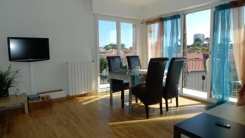 Location d 39 appartement bordeaux par le cabinet hb immobilier for Location appartement t2 bordeaux