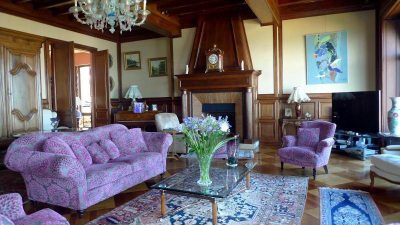 Une villa majestueuse en front de mer ARCACHON, HB Immobilier, Agence Immobilière dans le Bassin d'Arcachon