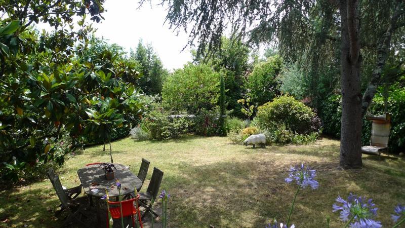 Dans un quartier calme BORDEAUX, HB Immobilier, Agence Immobilière dans le Bassin d'Arcachon